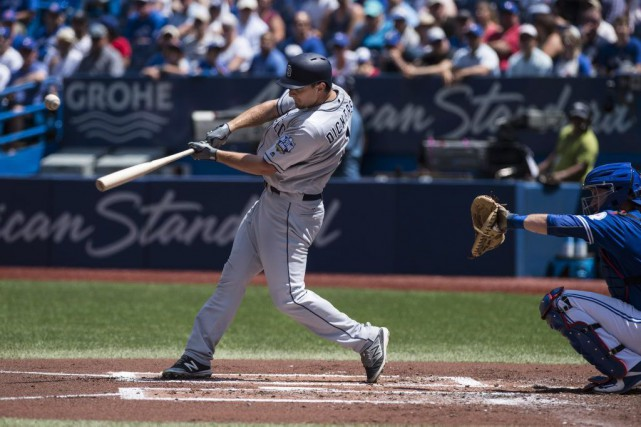 Alex Dickerson, des Padres, a frappé un circuit... (Aaron Vincent Elkaim, PC)