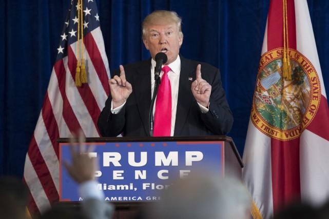 Mercredi, Donald Trump a dit souhaiter que la... (AP, Evan Vucci)