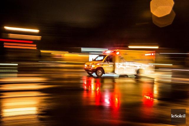 Une piétonne de 29 ans a été happée par une voiture samedi soir dans... (Photothèque Le Soleil)