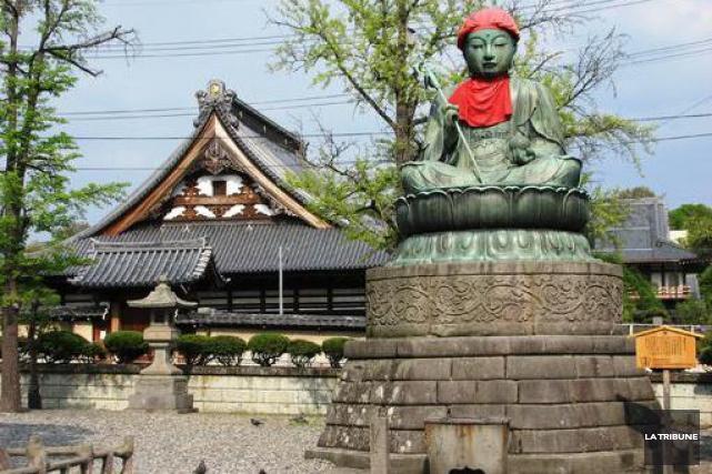 À Nagano, le complexe du temple Zenko-ji constitue... (La Tribune, Jonathan Custeau)