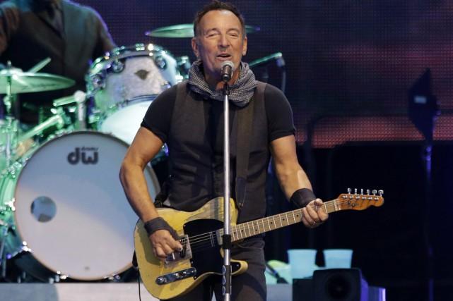 Bruce Springsteen a annoncé jeudi la sortie d'un album compilant des titres... (PHOTO ARCHIVES AP)