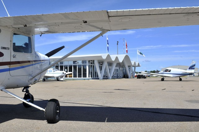 Les pistes d'atterrissage de l'aéroport de Trois-Rivières sont... (Stéphane Lessard)