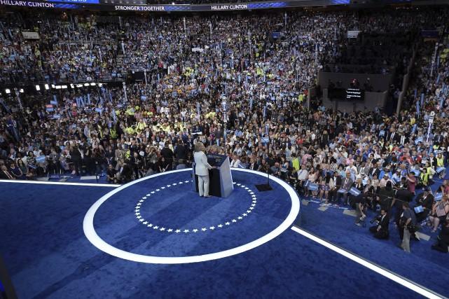 Hillary Clinton s'est posée en rassembleuse pour détourner... (AFP, Brendan Smialowski)