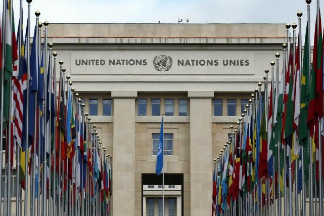 Le Conseil de sécurité a décidé vendredi de déployer progressivement 228... (Photo Denis Balibouse, archives REUTERS)