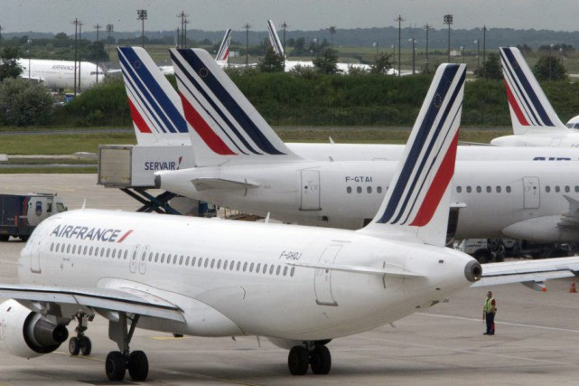 Des avions d'Air France au repos à Roissy... (PHOTO AP)