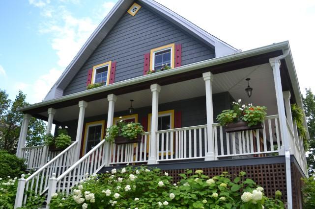 Une demeure élégante du quartier historique de la rue Roussel du secteur...