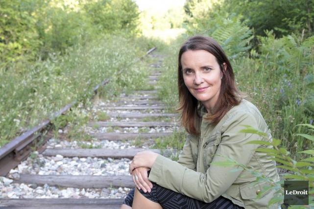 Tammy Scott réside aux abords des rails du... (Etienne Ranger, LeDroit)