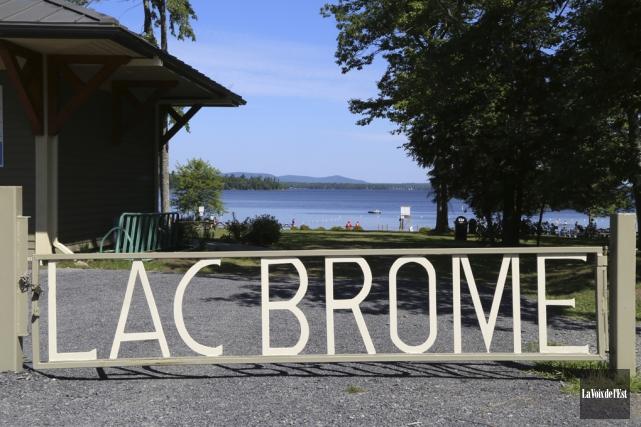Le lac Brome, une vaste étendue d'eau de... (Janick Marois, La Voix de l'Est)