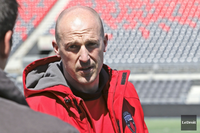 L'entraîneur-chef du Fury d'Ottawa, Paul Dalglish... (Patrick Woodbury, Archives LeDroit)