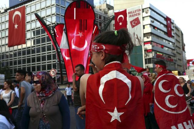 À ce jour, plus de 18000 personnes ont... (AP, Ali Unal)