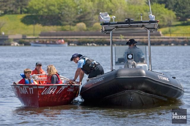 L'opération de sensibilisation à la sécurité nautique «Alcool Zéro» se déroule... (Photo Robert Skinner, archives La Presse)