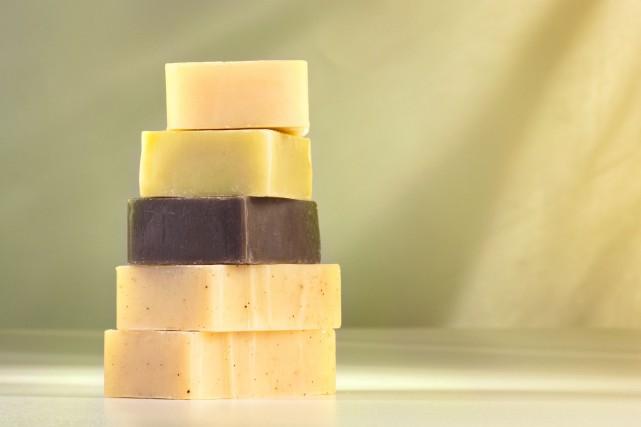Les produits que l'on appelle «savons» ne sont... (123RF, Nikkiphoto)
