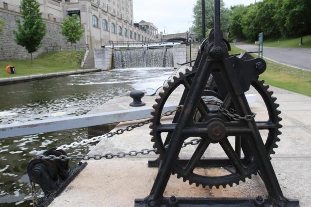 Parcs Canada a dû restreindre la navigation sur... (Photo Patrick Woodbury, Archives Le Droit)