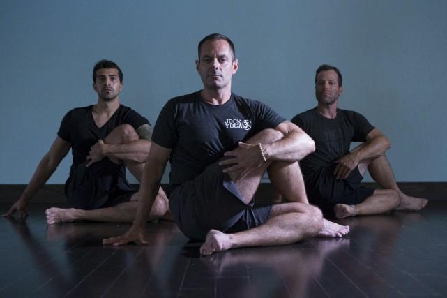 De plus en plus de professeurs de yoga... (La Presse Canadienne)