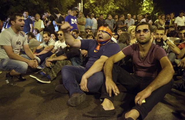 Même si la prise d'otages menée depuis deux... (AFP, Karen Minasyan)