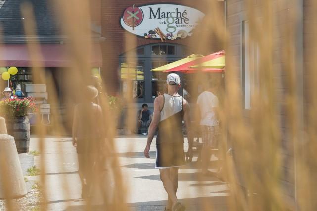 Le marché de la Gare de Sherbrooke est... (Spectre Média, Marie-Lou Béland)