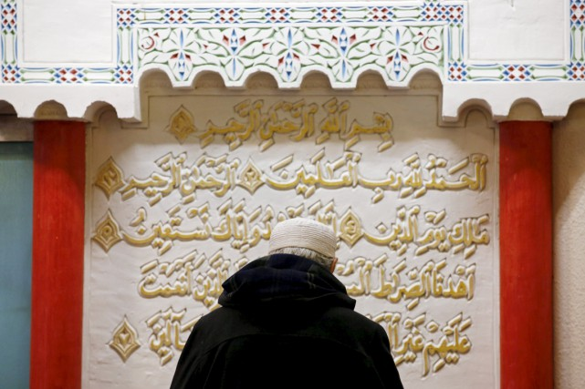 La France compte quelque 2500 mosquées et salles... (photo Jean-Paul Pelissier, archives REUTERS)