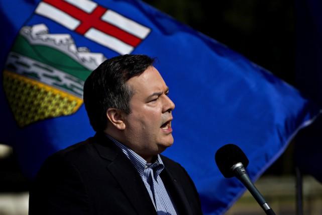 Jason Kenney lors d'une conférence de presse, lundi,... (La Presse Canadienne, Jason Franson)
