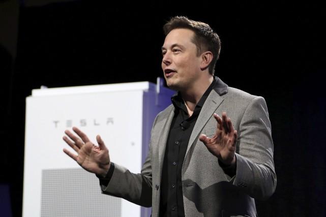 Le pdg de Tesla, Elon Musk, détient une... (AFP, David McNew)