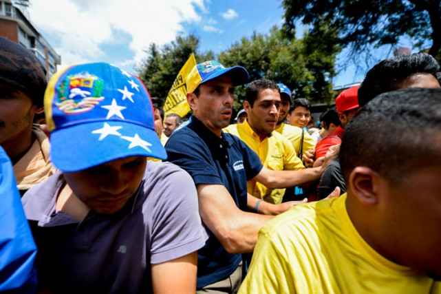 Un des leaders de l'opposition, Henrique Capriles, a... (PHOTO AFP)