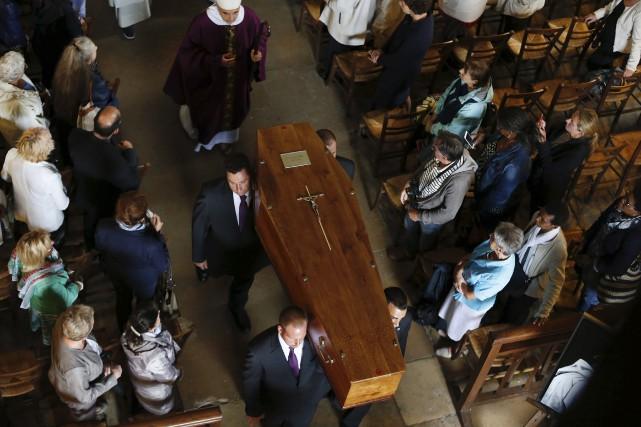 Les funérailles du prêtre Jacques Hamel, égorgé dans... (AFP, Charly Triballeau)