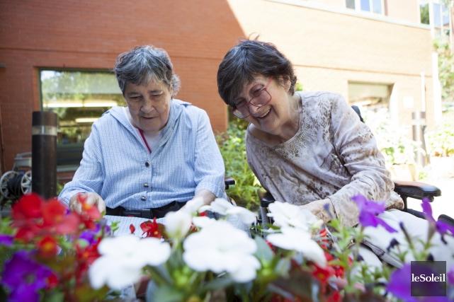 La moitié des 96 résidents du CHSLD Le... (Le Soleil, Caroline Grégoire)