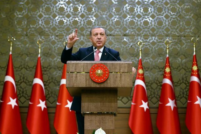 Le présidebt turc Recep Tayyip Erdoğan a donné... (REUTERS)