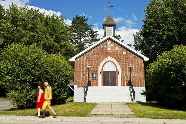 On s'agitait mardi à l'église syriaque Saint-Éphrem de... (Spectre Média, Jessica Garneau)