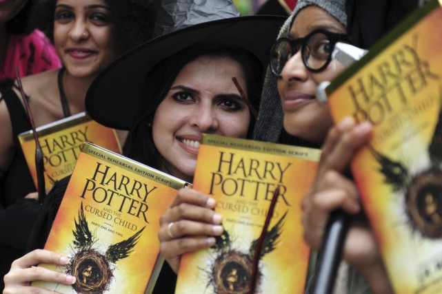 Des fans du livre Harry Potter and the... (PHOTO AFP)