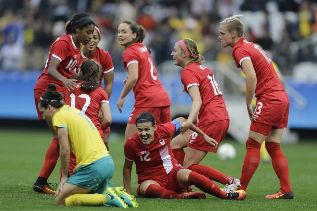 L'équipe féminine du Canada s'est illustrée mercredi avec... (AP)