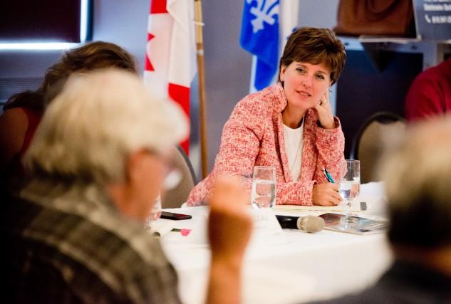 La ministre Marie-Claude Bibeau tenait une première consultation... (Spectre Média, Jessica Garneau)