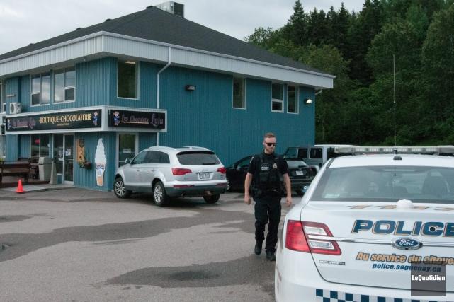 Une vingtaine d'enquêteurs de Revenu Québec ont perquisitionné... (Archives Le Quotidien, Michel Tremblay)
