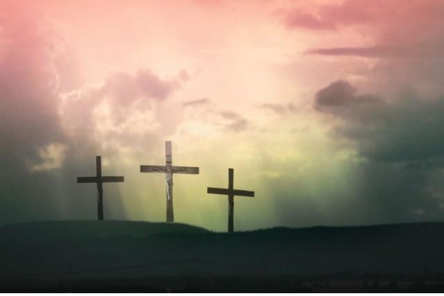 À l'article de la mort, beaucoup de chrétiens se recueillent, pensent à... (Photo 123rf)