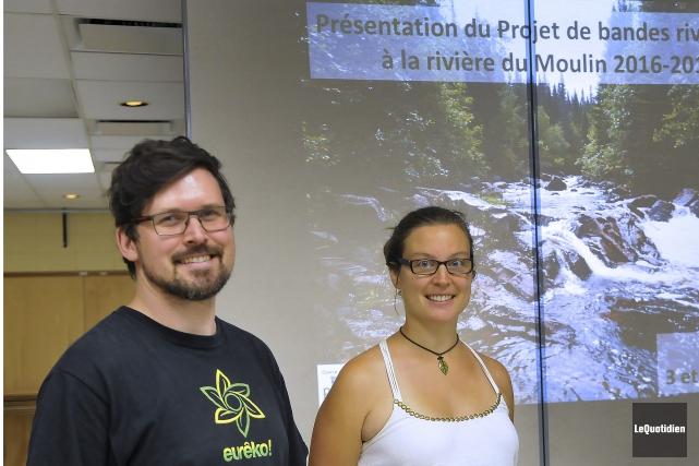 Le chargé de projet d'Eurêko, Olivier Bouchard-Lamontagne, et... (Photo Le Quotidien, Rocket Lavoie)