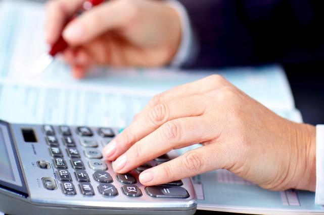 Un ex-employé d'Ameublement de bureau La Capitale poursuit le comptable de... (123RF/kurhan)