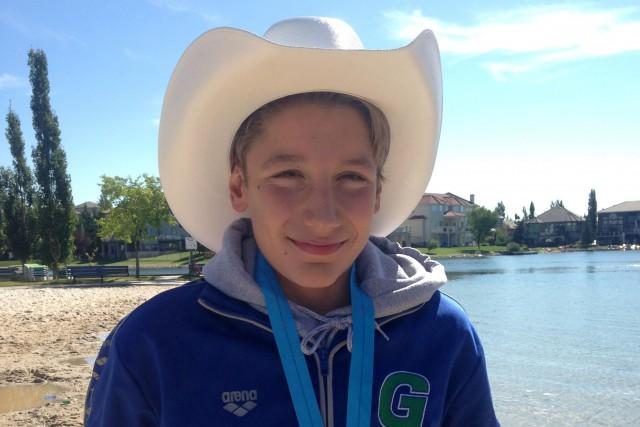 Louis Bertrand est revenu de Calgary avec trois... (Courtoisie)
