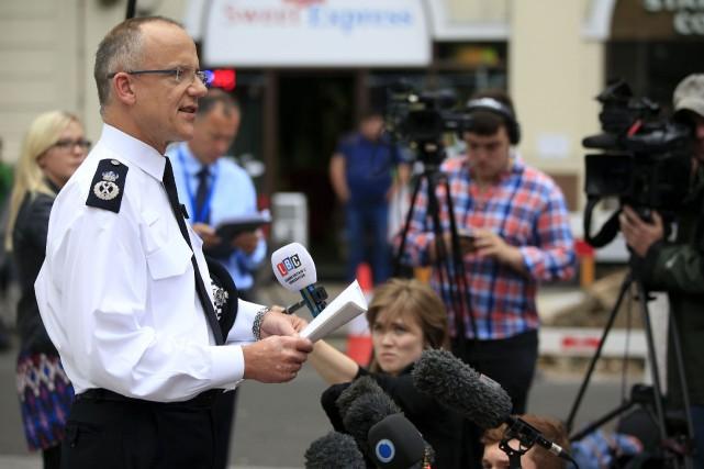 Le commissaire adjoint de Scotland Yard, Mark Rowley,... (PA via AP, Jonathan Brady)