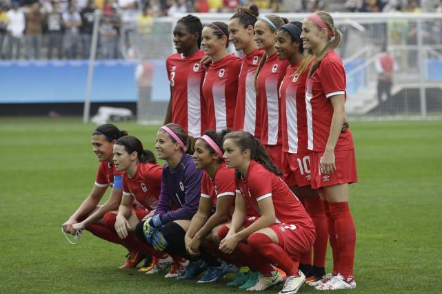 L'équipe féminine de soccer du Canada affronte celle... (Photo Nelson Antoine, AP)