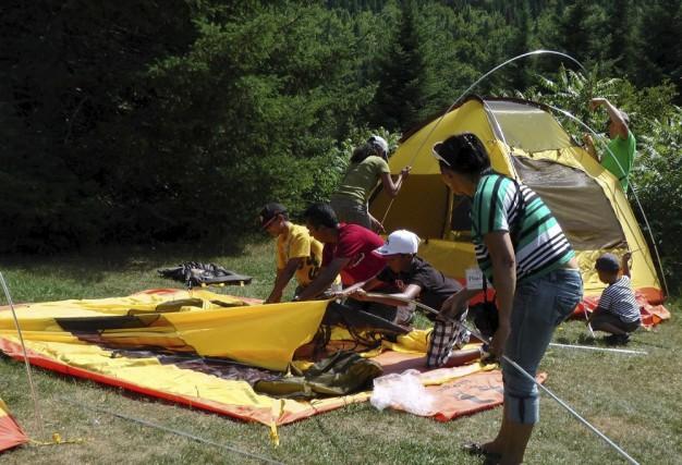 Initiation au camping pour des Néocanadiens (Courtoisie)