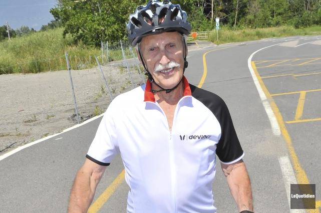 Nelson Bonneau, âgé de 90 ans, a commencé... (Photo Le Quotidien, Gimmy Desbiens)