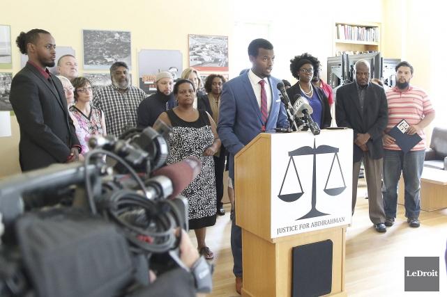 Dix jours après la mort d'Abdirahman Abdi lors... (Etienne Ranger, LeDroit)