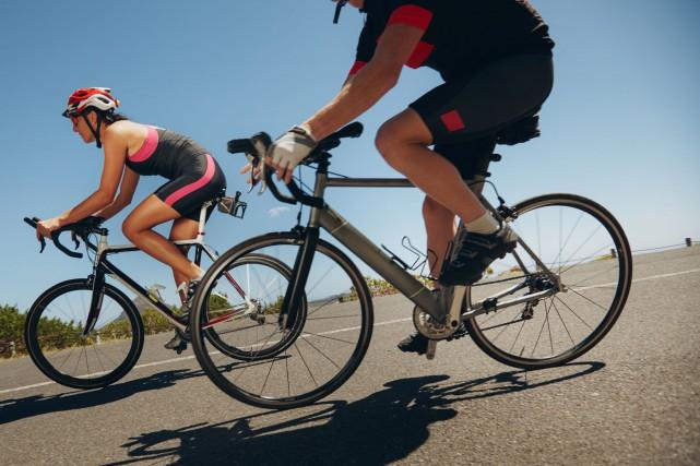Des centaines de cyclistes sont attendus samedi matin... (123RF)