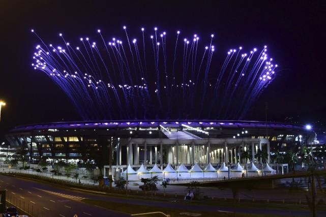 Tests de feux d'artifices en prévision de la... (AFP, Tasso Marcelo)