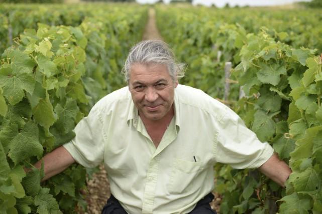 Dominique Léandre-Chevalier dans son domaine de trois hectares.... (PHOTO AFP)