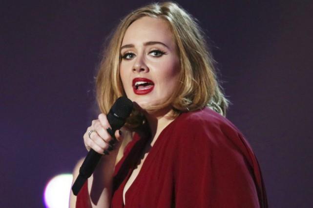Toute la fortune et la gloire d'Adele ne lui ont pas évité le refus de sa carte... (PHOTO ARCHIVES AP)