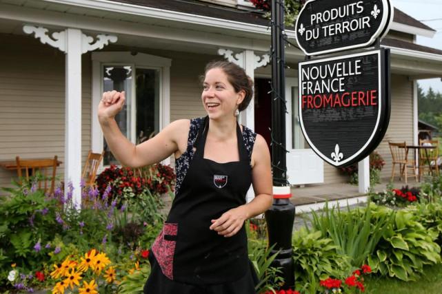 La fromagère Marie-Chantal Houde est membre-fondatrice du marché... (Photo Robert Skinner, La Presse)