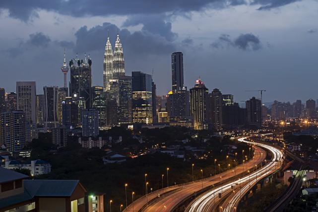 Pour pouvoir se marier, les Malaisiennes de moins... (123RF, enciktep)