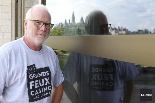 Alain Bouthillier,directeur technique des Grands feux du Casino... (Partick Woodbury, LeDroit)