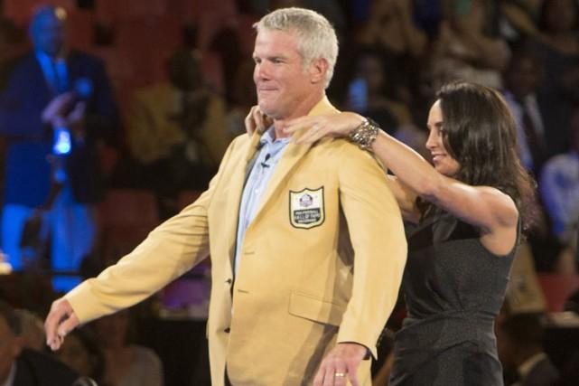C'est la femme de Brett Favre, Deanna, qui... (PHOTO AP)
