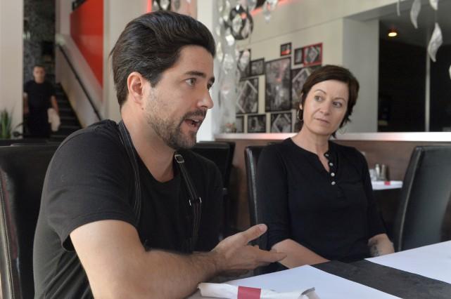 Alexandre Côté, propriétaire du restaurant Pizzicato, et Valérie... (Spectre Média, Maxime Picard)